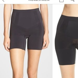 Spanx OnCore mid thigh shorts size XL